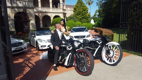 اسکورت ماشین عروس با موتور سنگین