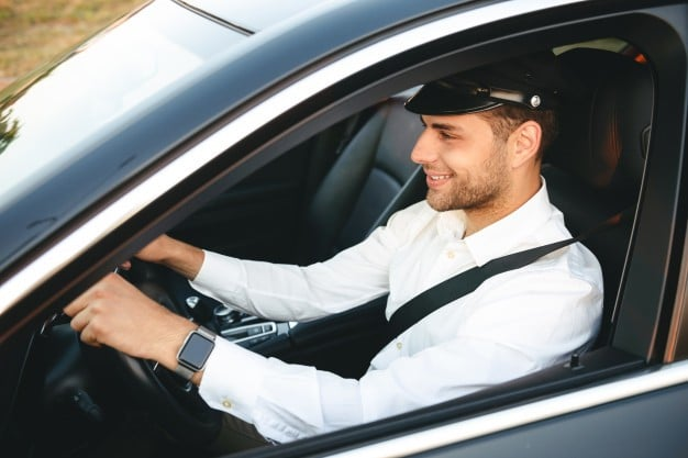 استفاده از خودرو به همراه راننده